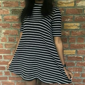 Uniqlo Black and White Stripped Dress